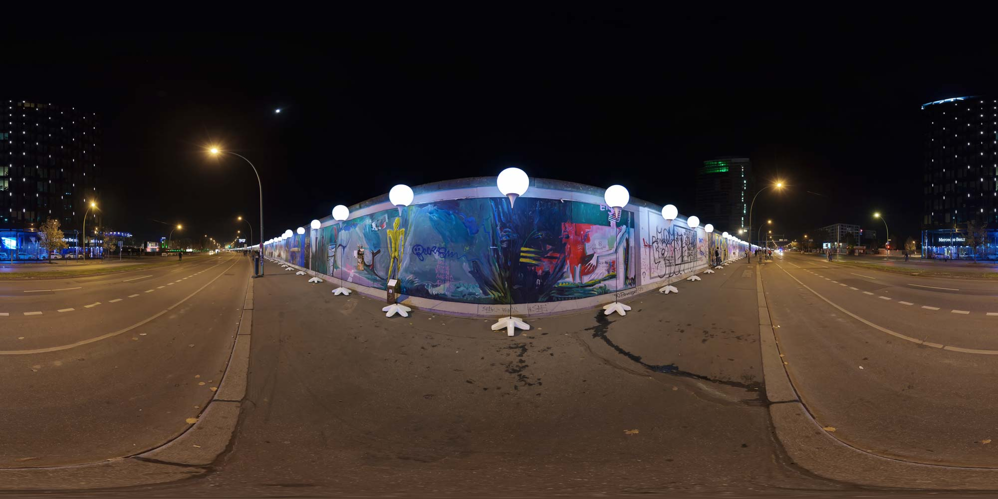 Panorama Berlin 25 Jahre Mauerfall Lichtstelen - East-Side-Gallery 2