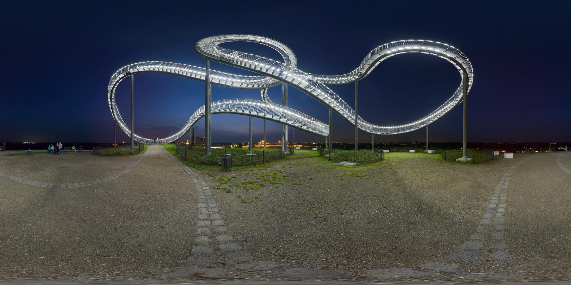 Panorama  Duisburg - Tiger and Turtle - Totale Nacht